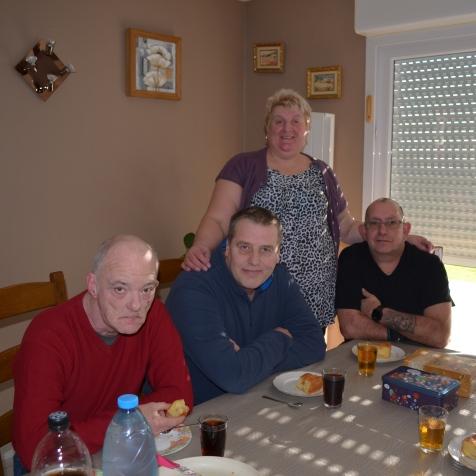 famille d'accueil , bécourt , personnes âgées