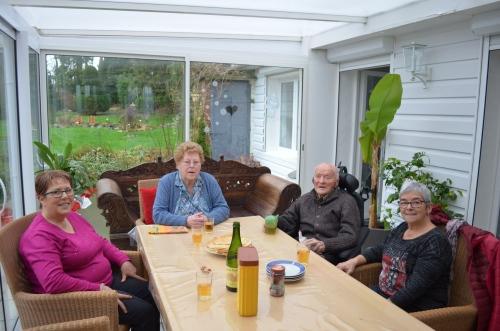 famille d'accueil , pas de calais , bécourt , personnes âgées