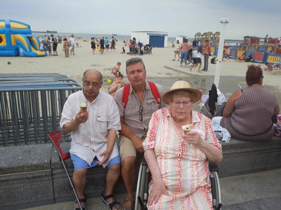famille d'accueil , personne âgées , bécourt , pas de calais
