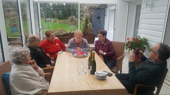 famille d'accueil , personnes âgées , béourt , pas de calais