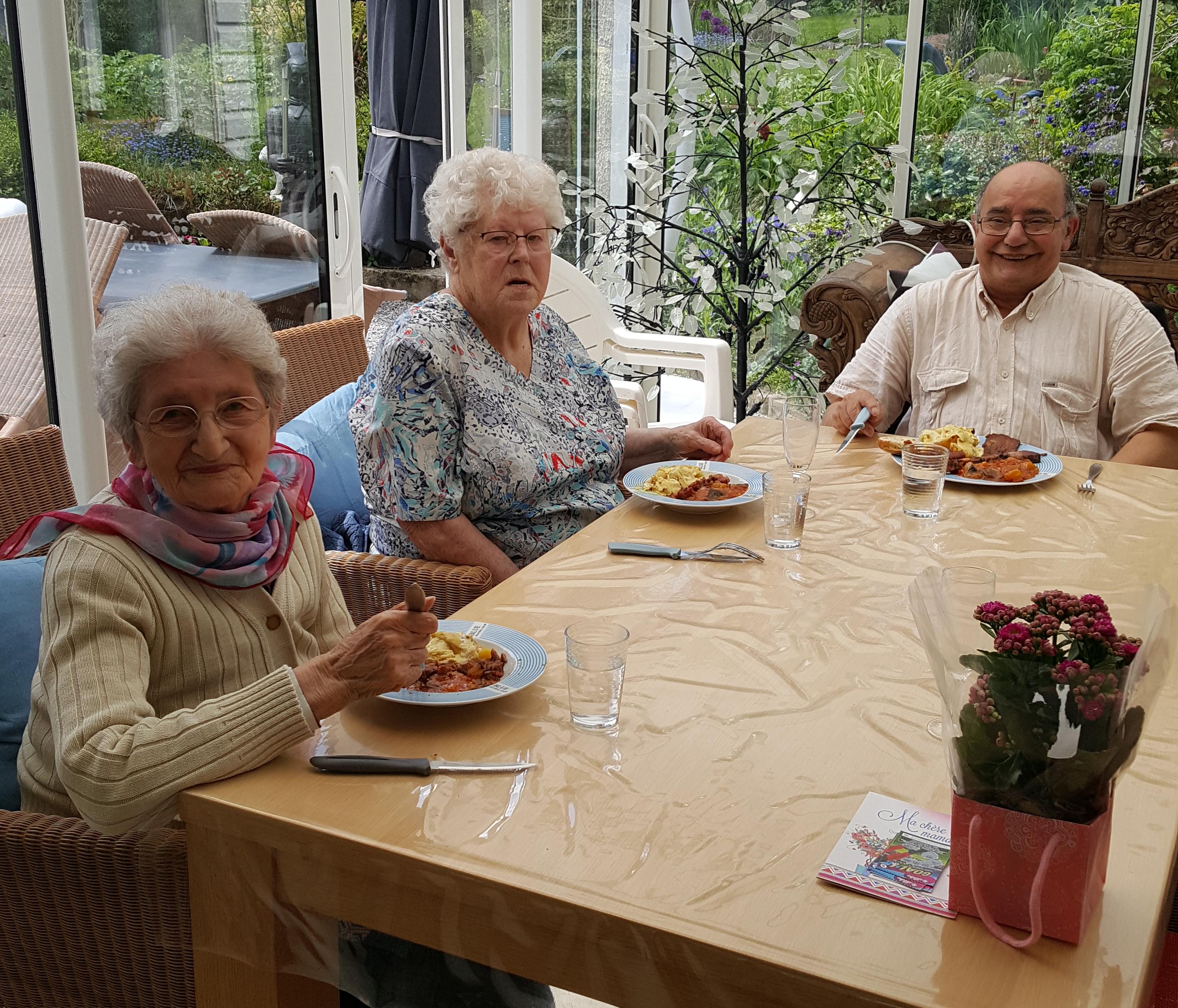 famille d'accueille , personnes âgées , bécourt , pas de calais